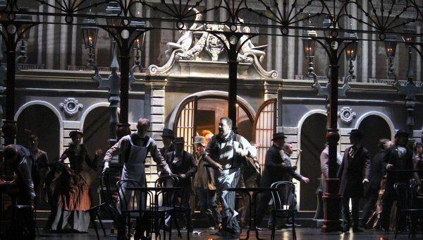 Сцена из спектакля Сказки Гофмана в Музыкальном театре имени Станиславского и Немировича-Данченко