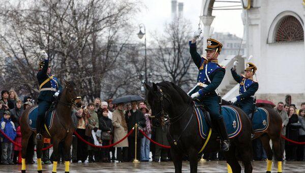 Церемониальный развод конных и пеших караулов Президентского полка