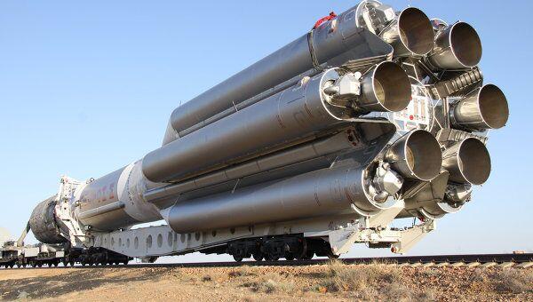 Вывоз ракеты Протон-М с разгонным блоком Бриз-М и американским КА Телстар 14Р