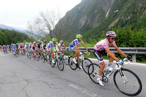 Велосипедисты 13-го этапа Джиро д'Италия