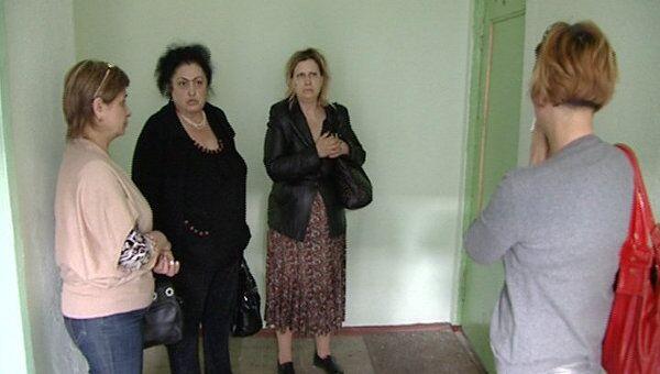 Жильцы дома, где был убит двухлетний ребенок, рассказали о его семье