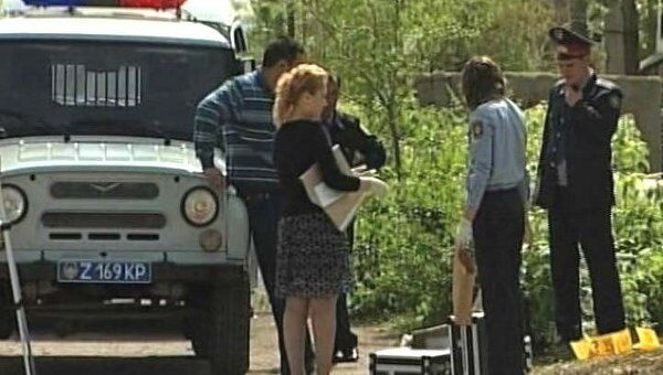 Фрагменты взорвавшегося в Астане автомобиля разлетелись на десятки метров