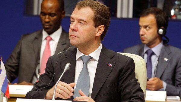 Президент РФ Дмитрий Медведев на саммите Большой восьмерки в Довиле
