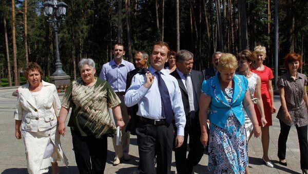 Медведев встречается с жителями села Ненашево Тульской области