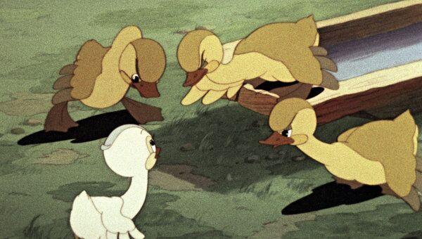 Кадр из мультипликационного фильма Гадкий утенок