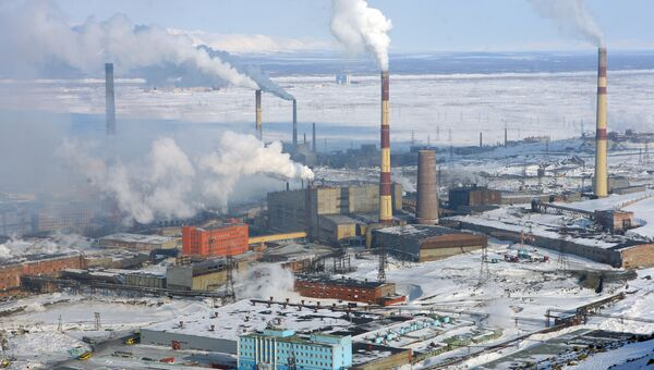 Вид на Никелевый завод в Норильске. Архив