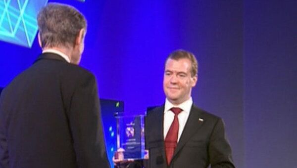 Медведев поддержал идею лауреата Глобальной энергии по очистке океанов