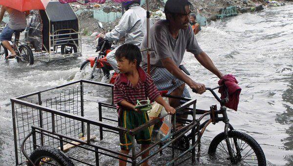 Последствия тропической бури в столице Филиппин Маниле