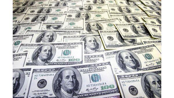 На открытии европейских бирж доллар в среду потяжелел по отношению к основным валютам