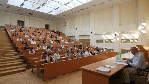 Выпускники МГУ и СПбГУ смогут получить дипломы обоих вузов
