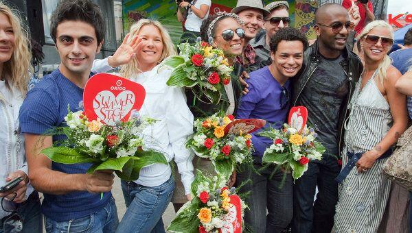 Съезд гостей на Музыкальный конкурс исполнителей Новая волна 2011