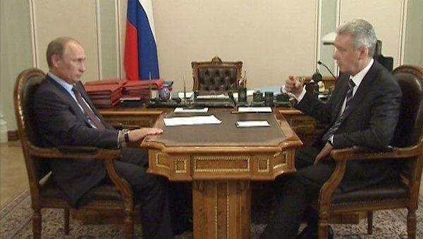 Путин похвалил Собянина за тендеры по закупке медоборудования