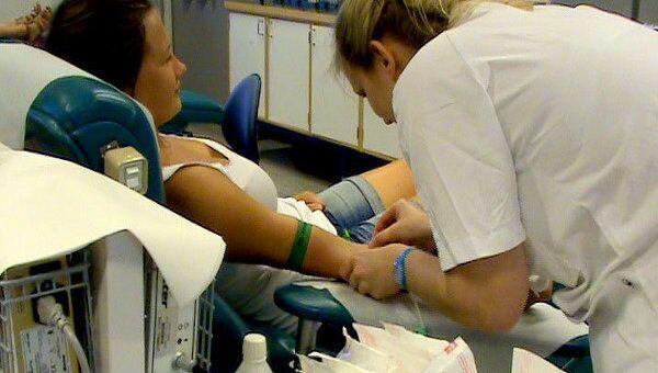 Тысячи доноров приходят в банки крови спустя неделю после терактов в Осло