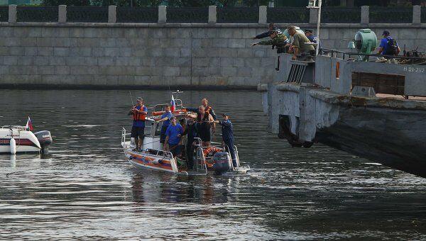 Крушение катера на Москве-реке