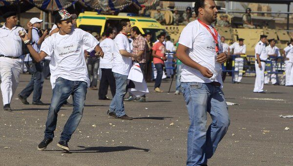 Столкновения сторонников и противников экс-президента Египта Хосни Мубарака у здания Академии полиции в Каире