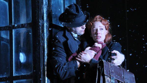 Сцена из спектакля Враги: история любви