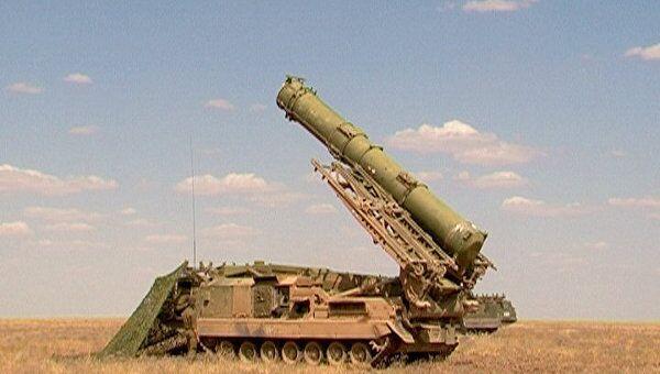 Ракетные комплексы С-300В и Тунгуска. Архивное фото