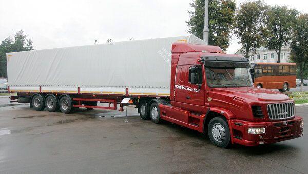 Капотный тягач МАЗ-6440