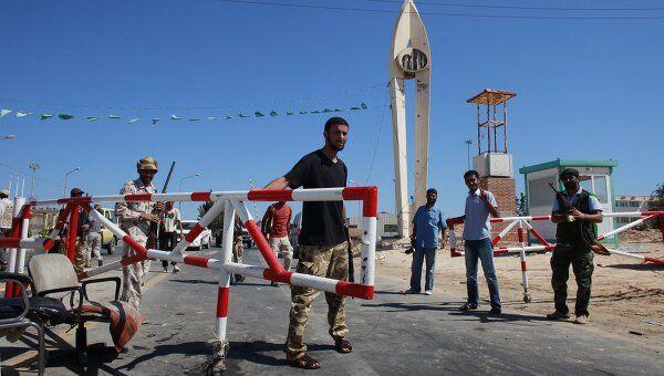 Ливийские повстанцы контролируют нефтеперерабатывающий завод в городе Эз-Завия