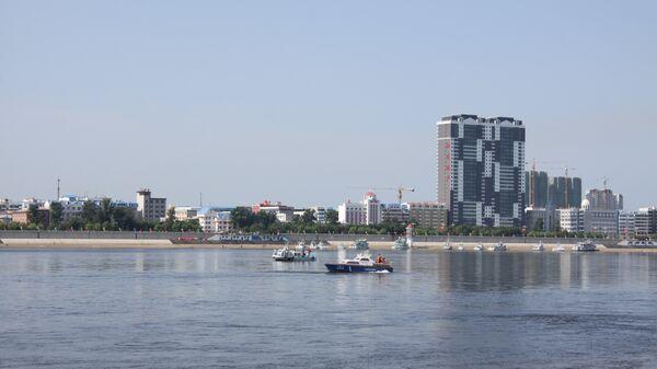 Вид на Хэйхэ (КНР) с российского берега (Благовещенск)