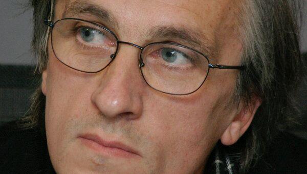 Режиссер Дмитрий Крымов приготовил военный марш к юбилею Чехова