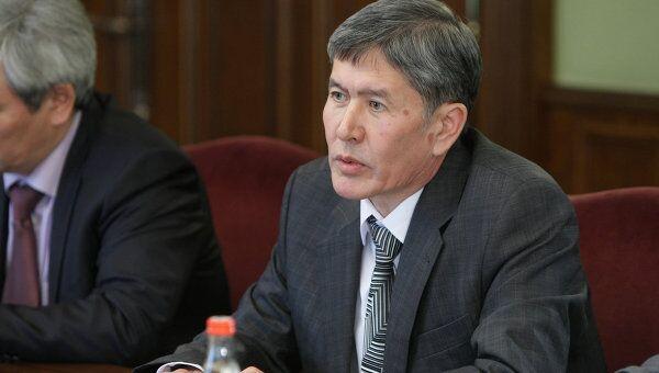 Первый вице-премьер Киргизской Республики Алмазбек Атамбаев. Архив