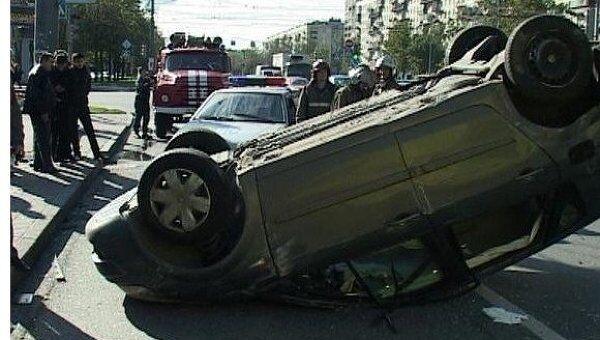Сегодня днём столкнулись две автомашины. Рено и Жигули 99-й