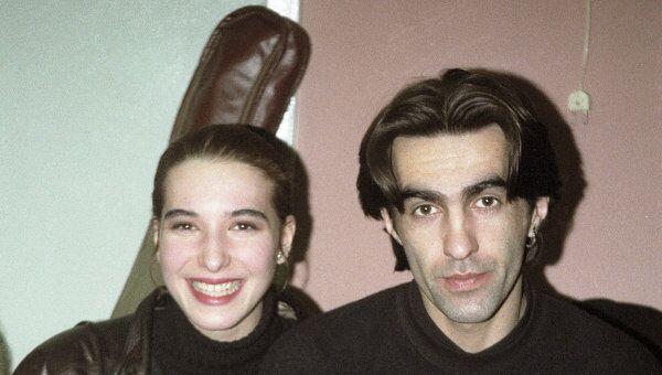 Солист группы Наутилус Помпилиус  Бутусов с женой
