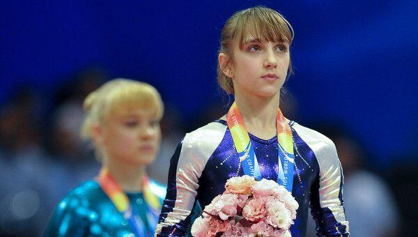 Виктория Комова и Татьяна Набиева (справа налево)