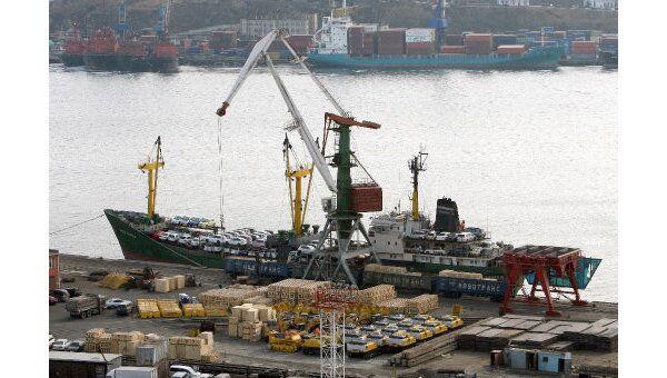 Судно Амурского пароходства неделю остается задержанным в КНДР