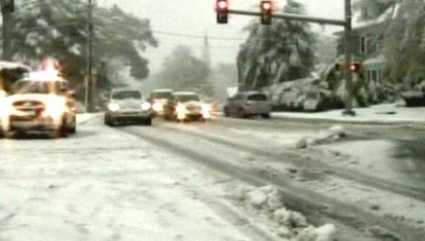 Снежная буря бушует на северо-востоке США. Видео с места событий