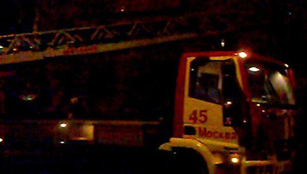 Два человека погибли во время пожара в жилом доме на западе Москвы