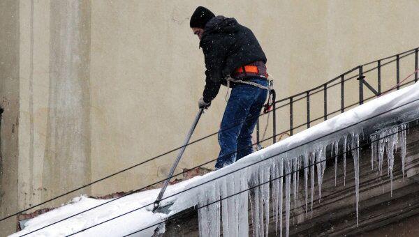 Уборка снега на улицах Санкт-Петербурга