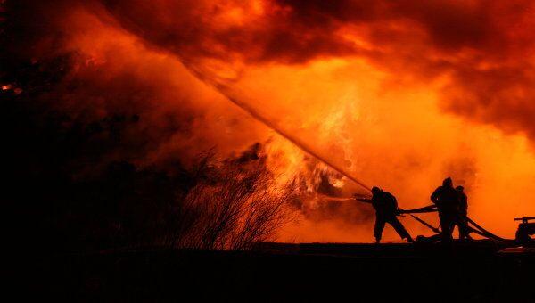 Работа пожарных. Архив