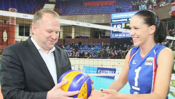 Мария Борисенко (справа)