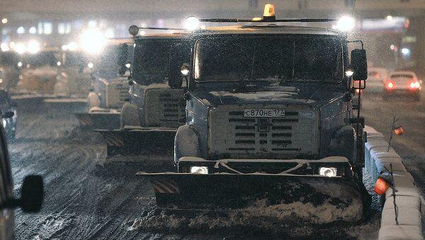 Коммунальные службы Москвы встречают снегопад во всеоружии
