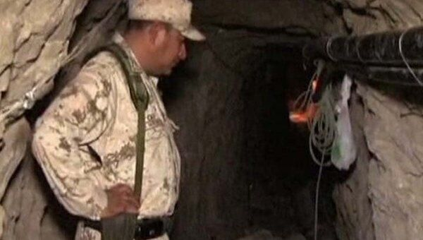 Полиция США накрыла секретный туннель, забитый мешками с марихуаной