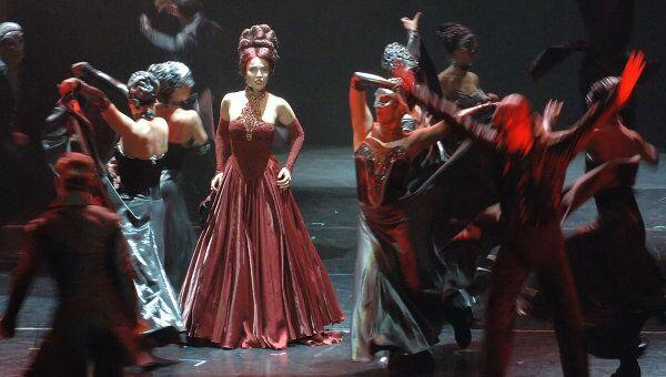 Прогон оригинального российского мюзикла, созданного по роману А.Дюма Граф Монте-Кристо, на сцене театра Московская Оперетта
