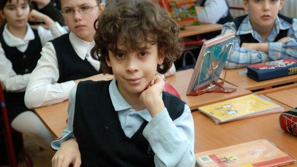 Занятия в средней общеобразовательной школе. Архивное фото