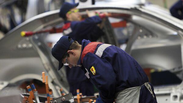 Производство на заводе General Motors в Санкт-Петербурге. Архивное фото