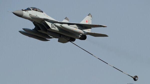 Российские многоцелевые истребители МиГ-29 и МиГ-35, архивное фото