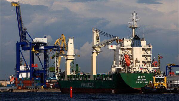 Судно Алаед прибыло в порт Санкт-Петербург