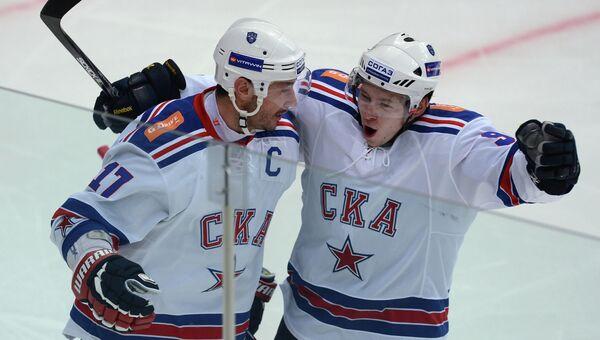 Игроки СКА Илья Ковальчук и Тони Мортенссон. Архив