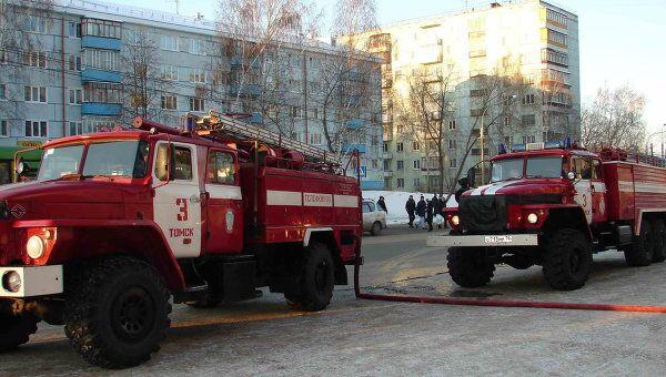 Таксист в Томске спас из пожара четырех детей