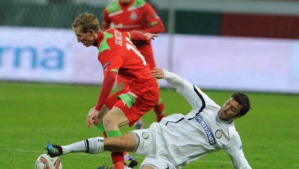 Игровой момент матча Локомотив - Штурм