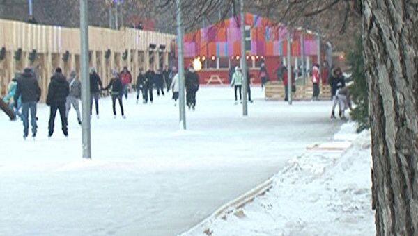 Парк Горького в Москве превратился в самый большой в Европе каток