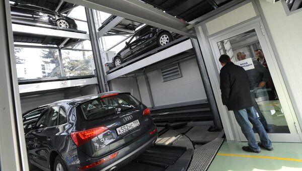 Более ста Народных гаражей строится в Москве - Ресин