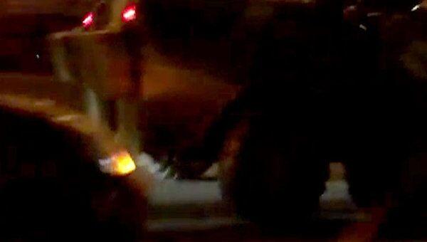БТР попал в аварию на МКАД. Видео очвидца