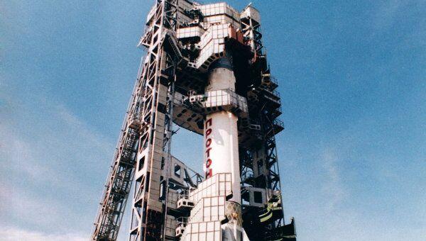 Ракета-носитель Протон на старте