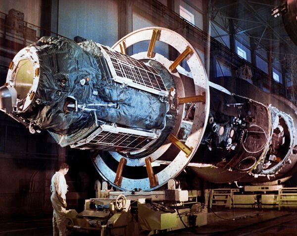 Сборка орбитальной станции Салют